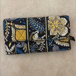 EUC Vera Bradley Tri-fold Clutch Wallet